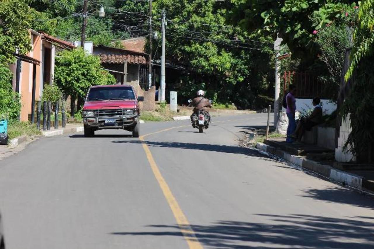 Habitantes de la zona sur de Usulután tienen nuevas vías