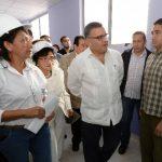 sabel Rodríguez, recorrieron las instalaciones del Hospital de Maternidad, aún en construcción. Foto EDH / CLAUDIO CASTILLO