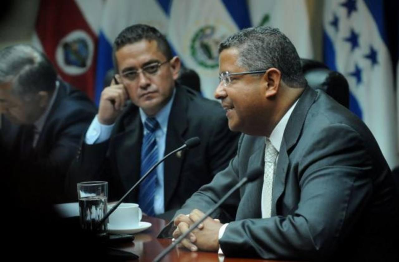 Francisco Flores no se presentó a comisión legislativa