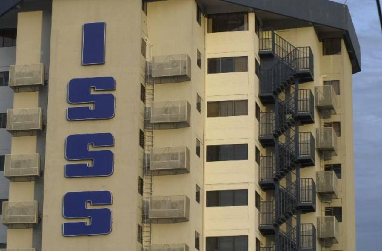 El ISSS podría pagar $227,955.35 más por seis medicinas