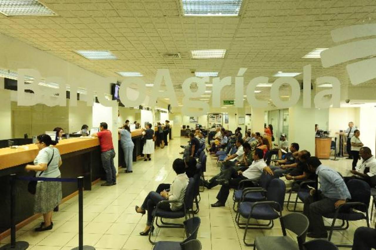 El sistema financiero salvadoreño está muy sano: tiene suficiente liquidez y sus tasas son competitivas. Foto EDH / archivo