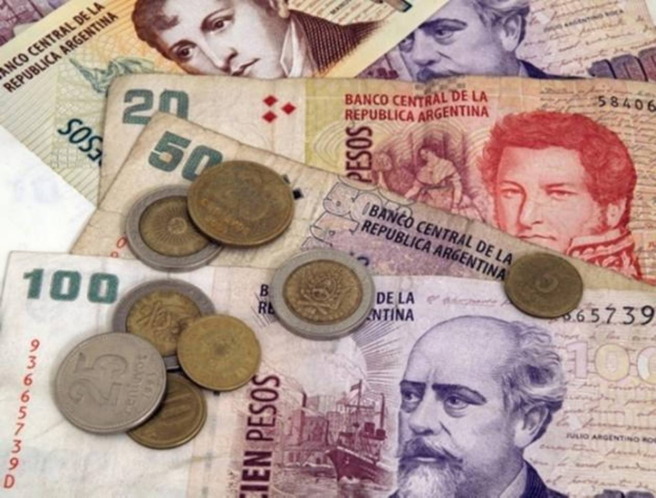 Las divisas impactan costos de productos e insumos importados. Foto edh /archivo