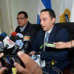 Los jefes fiscales Francisco Vides y Rodolfo Delgado anunciaron una investigación por la divulgación de las grabaciones. Foto EDH