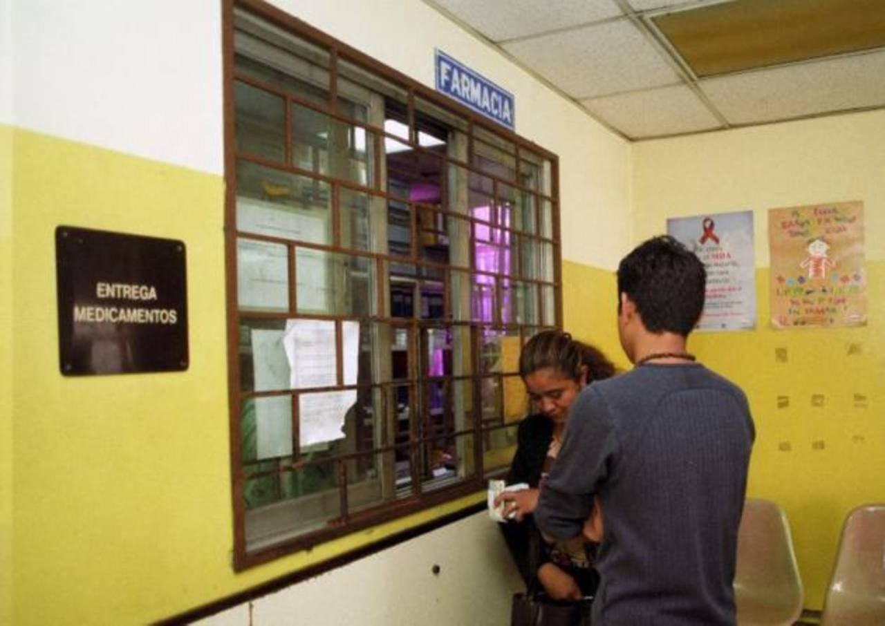 Tarjeta del paciente del hospital Bloom en la que se hace alusión a la consulta sobre el precio de la inmunoglobulina. foto EDH