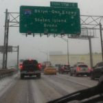 Salvadoreños sufren por descomunal atasco durante tormenta de nieve