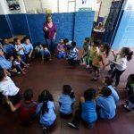 El Gobierno dice que entre 2009 y 2013 se logró matricular a 10,600 niños más en parvularia y 20,600 más en bachillerato.