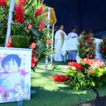 Ayer, algunos familiares de personas fallecidas en Las Colinas, Santa Tecla, visitaron el sitio para honrar la memoria de sus seres queridos. Fotos EDH / Mario Amaya.