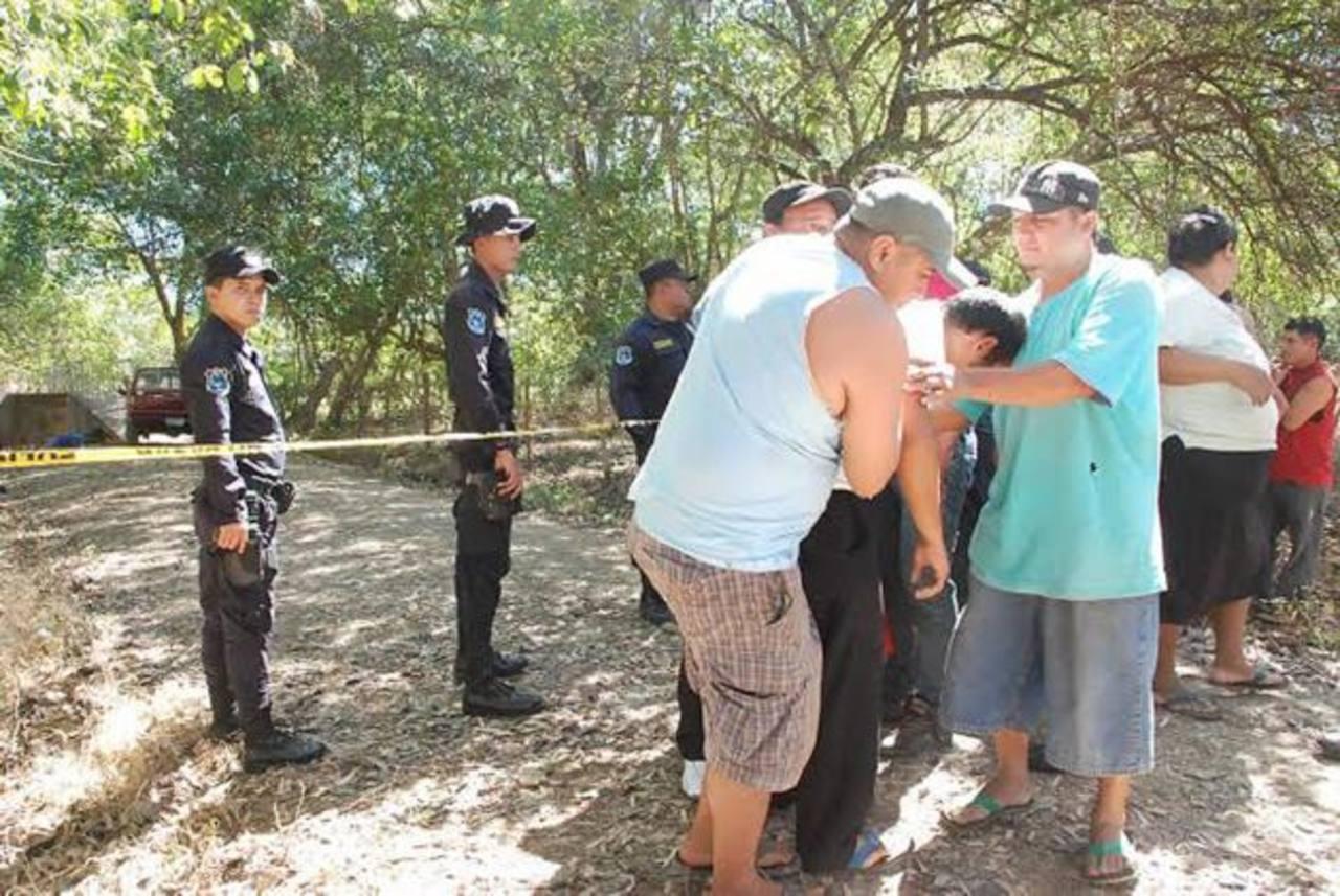 Mauricio Amaya fue asesinado en el caserío San Isidro, cantón Sirama, dentro de su pick up. Foto EDH / Insy Mendoza