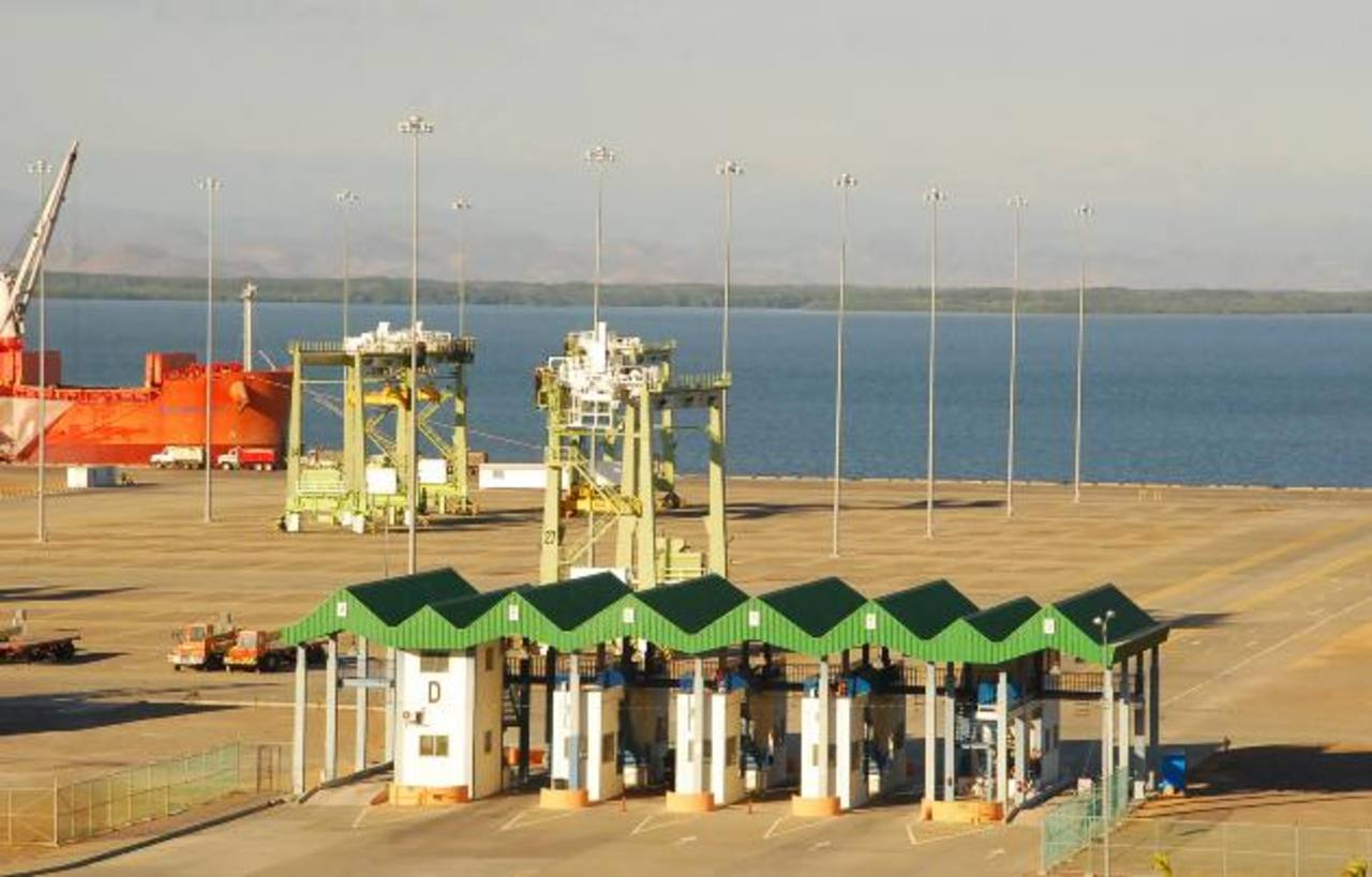 Un desafío para el próximo Gobierno será la concesión del puerto La Unión, luego de ocho años de estar paralizada. foto edh / archivo