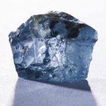 """El """"excepcional"""" diamante, del tamaño de una bellota y que cabe en la palma de la mano, fue hallado en la mina Cullinan cerca de Pretoria, Sudáfrica. Foto/ Reuters"""