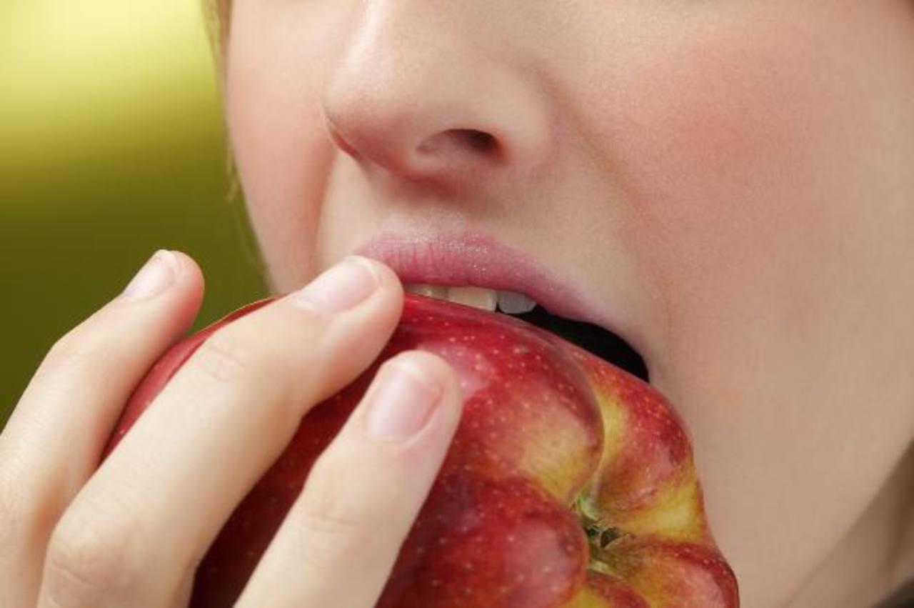 Comer lento ayuda a reducir porciones y calorías
