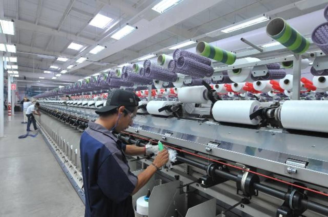 La Asociación Salvadoreña de Industriales sugiere a los empleadores preparar sus finanzas para la posible rotación de personal. Foto EDH / archivo