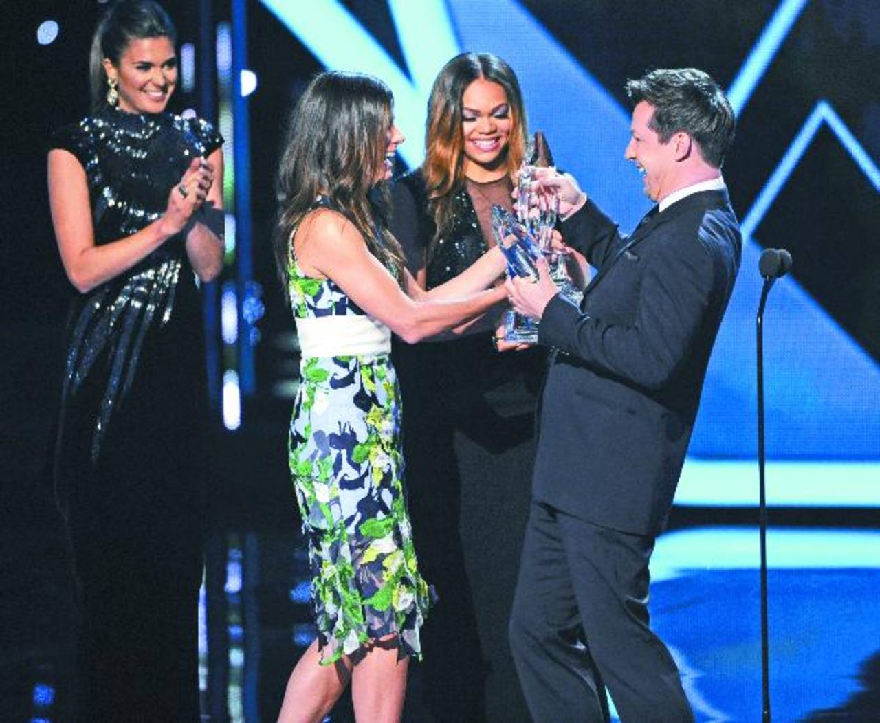 Sandra Bullock recibió sus múltiples premios durante la ceremonia.