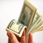 La buena noticia es para los depósitos, pues los bancos han estado pagando más intereses en los últimos meses. Foto EDH