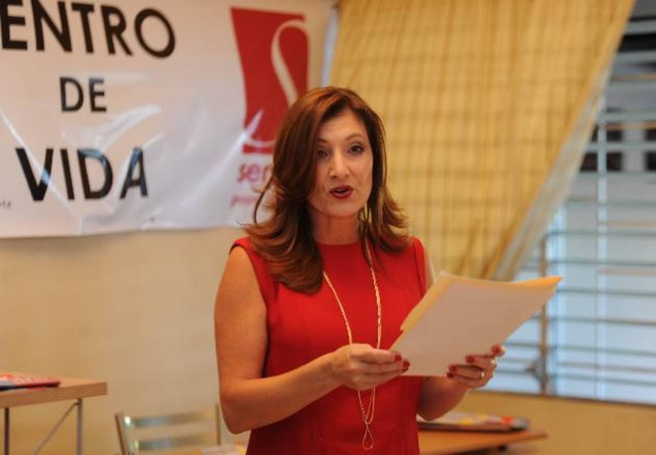 Roxana Orellana, directora ejecutiva de la Asociación Déjame Ayudarte Sendas para la Mujer. Foto EDH / emilia pacheco