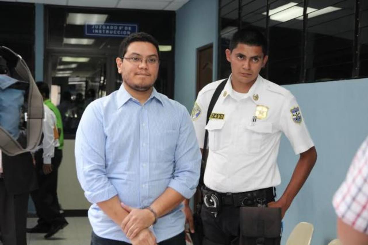 La Fiscalía teme que Mario Flores escape para no responder por la muerte de tres personas.