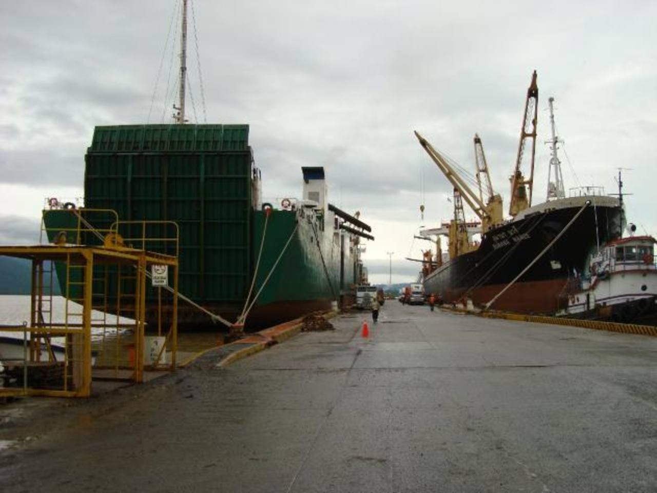 El puerto que se planea podría estar cerca del de Santo Tomás de Castilla y Barrios. foto edh / archivo