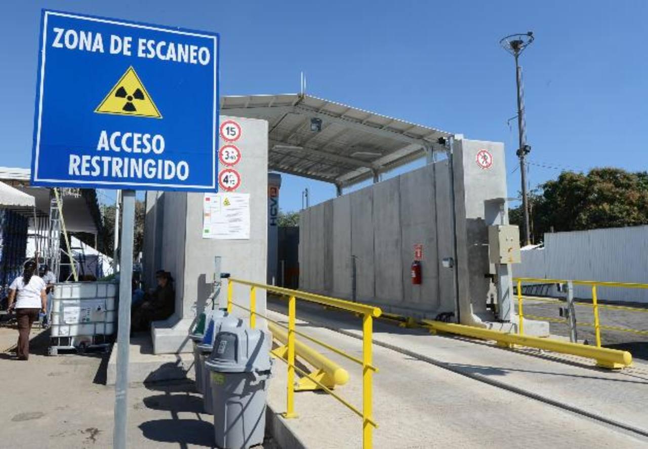 Del Puerto de Acajutla salen gran parte de las exportaciones de granel. foto edh /