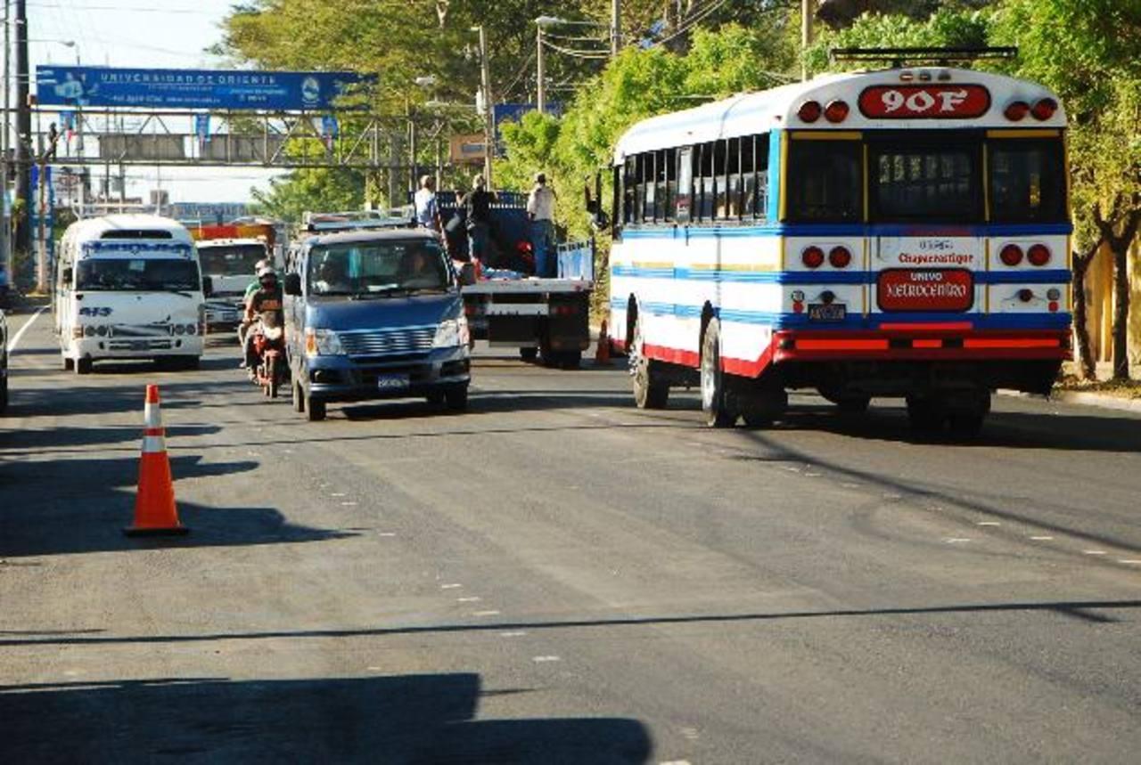 La calle a cuatro carriles en la entrada a San Miguel, descongestionará el ingreso de los más de 32 mil vehículos que por ahí circulan a diario. foto edh / Jenny Ventura