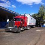 Transportistas de carga en frontera San Cristóbal, Santa Ana, se quejaron por el pago de $18 por cada declaratoria de mercadería. Foto vía Twitter Iris Lima