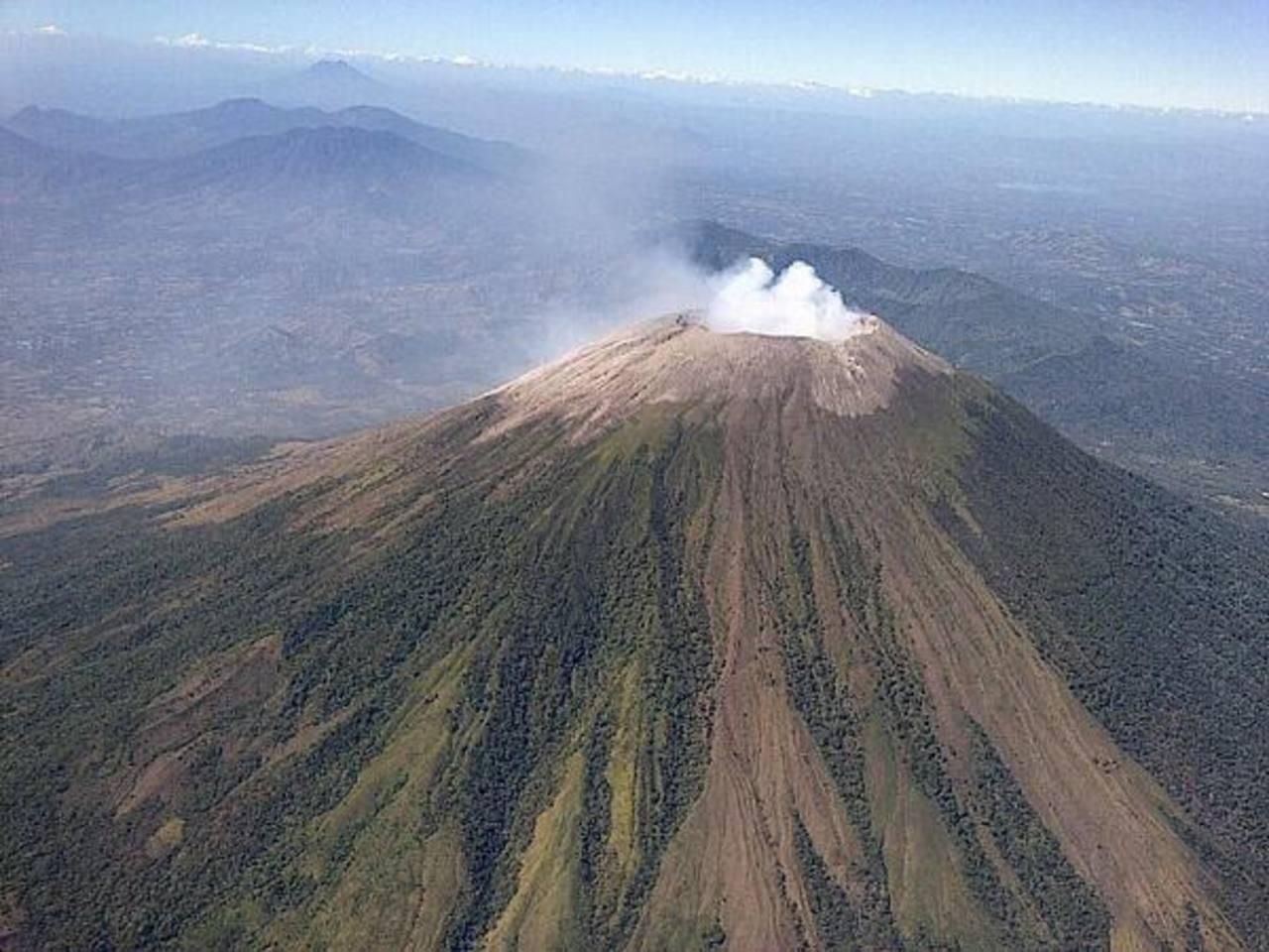 Autoridades no descartan nuevos episodios eruptivos del volcán Chaparrastique