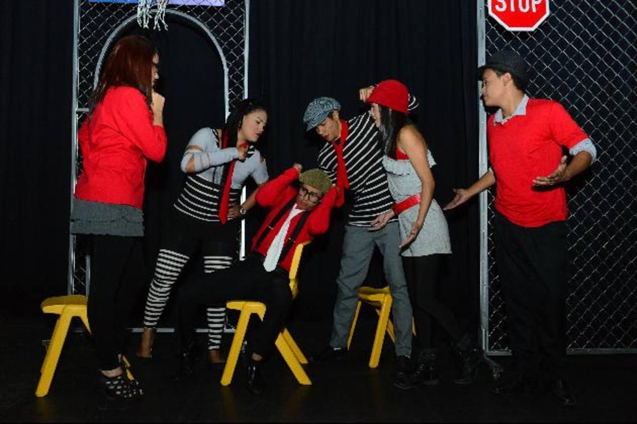 Presentación de la obra teatral. foto EDH/ césar avilés