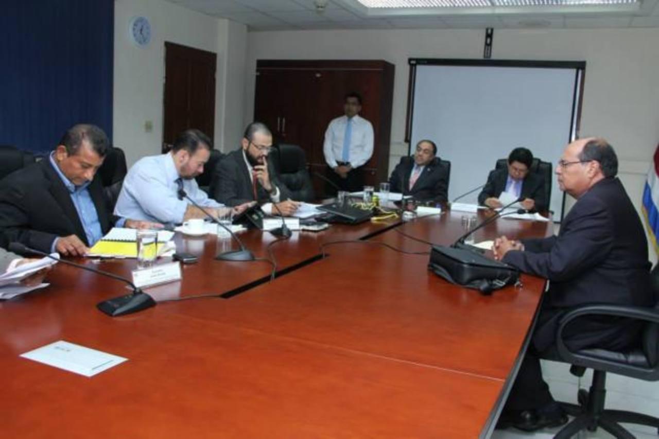 Comisión legislativa sigue investigación sobre destino de fondos donados por Taiwán
