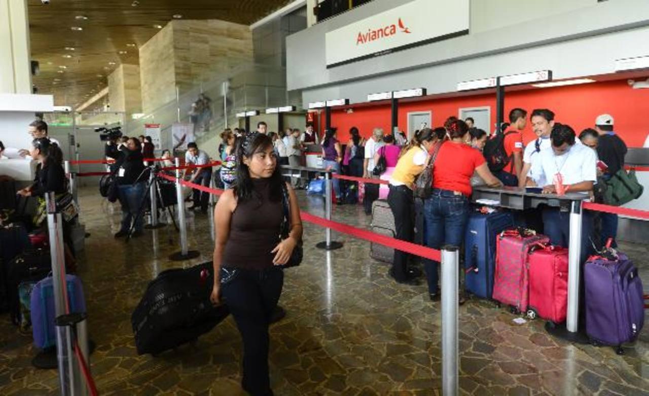 Aeropuerto Internacional lucha contra una demanda que lo rebasa