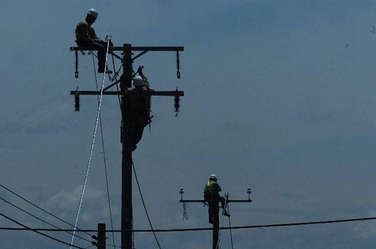 Desde este 15 de enero hasta el 14 de abril el precio de la energía eléctrica experimentará una baja del 1.22%, según Siget y CNE. Foto/ Archivo