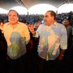 Los candidatos de Unidad, Antonio Saca y Francisco Laínez, en el evento del TAI ayer en el Cifco. Foto EDH / mario amaya
