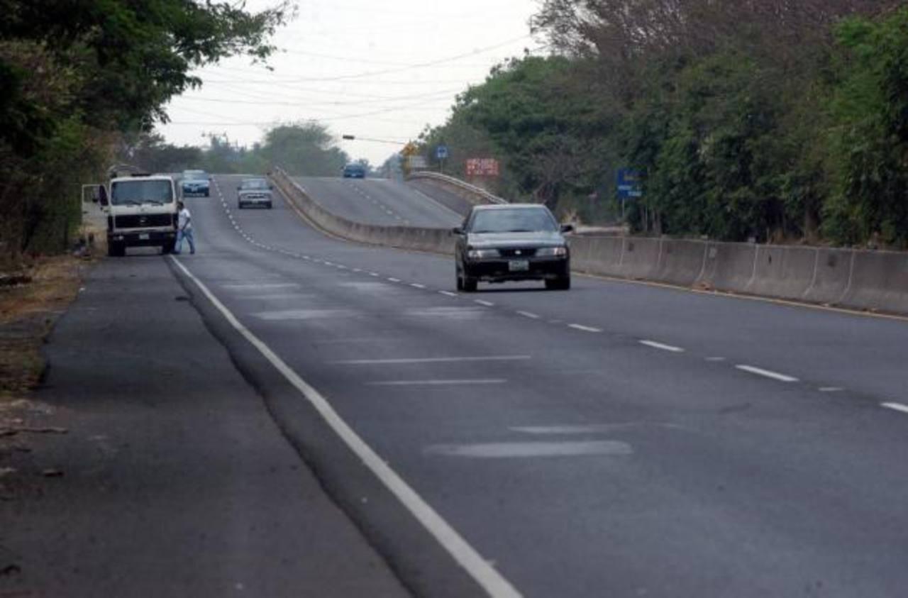 Dos muertos en accidente de tránsito en carretera a Acajutla