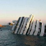 El crucero encalló el 13 de enero de 2012. Treinta y dos personas murieron en el percance. Foto EDH/archivo Fotos EDH/ oscar mira