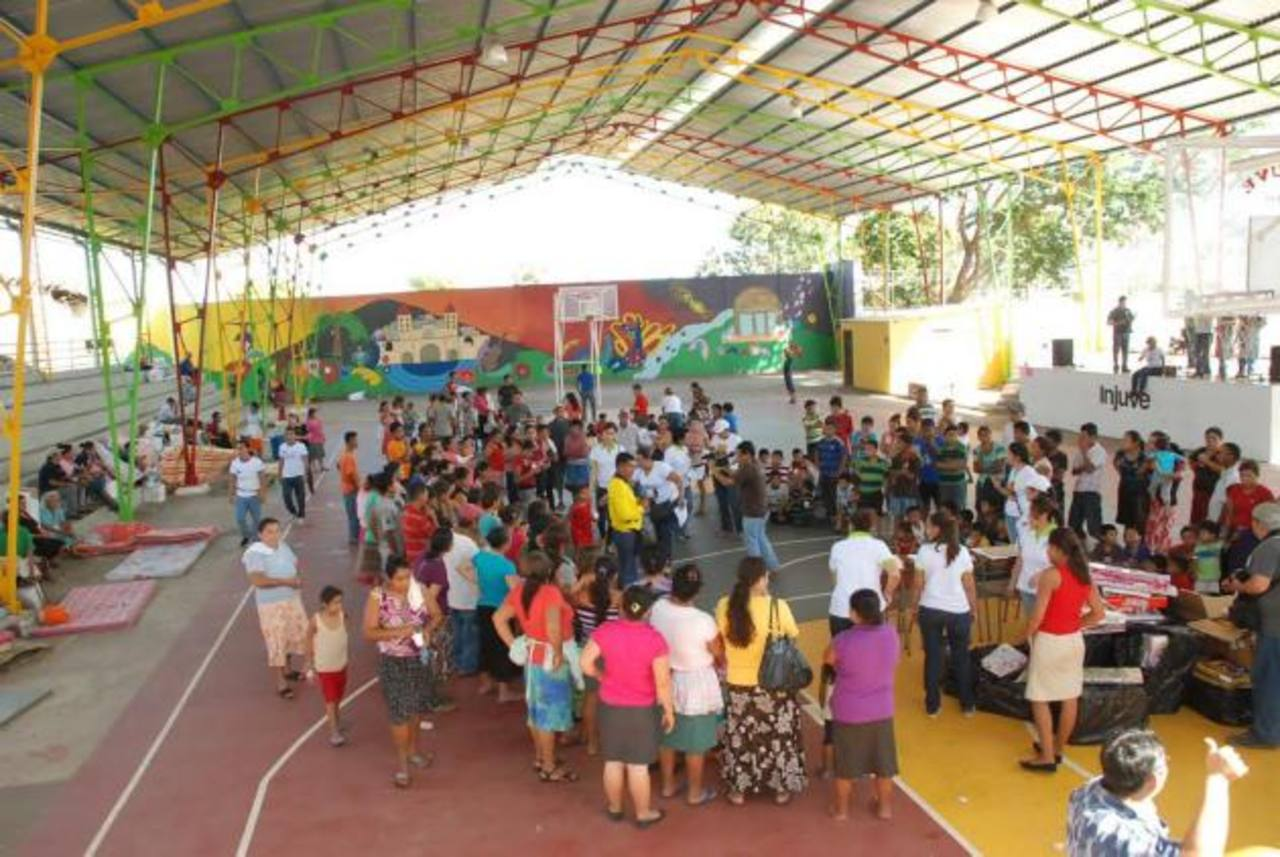 Las familias que aún se encontraban en albergues tras la erupción del volcán Chaparrastique ya pueden regresar a sus hogares, dijo Protección Civil. Foto/ Archivo