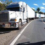 Transportistas de carga en paro por cobro de impuesto