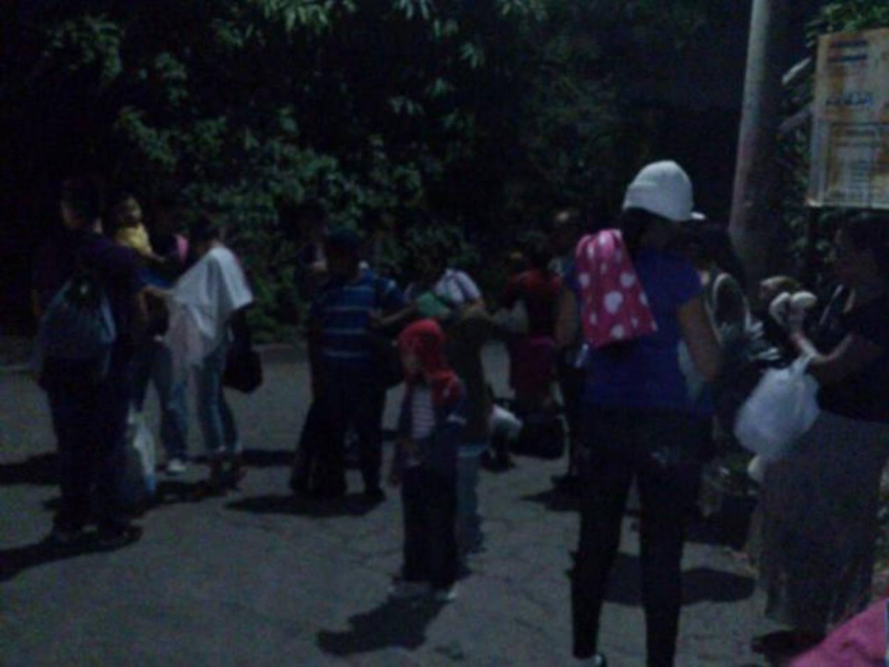 Protección Civil realizó evacuación preventiva por miedo a que azufre afectara salud de lugareños.