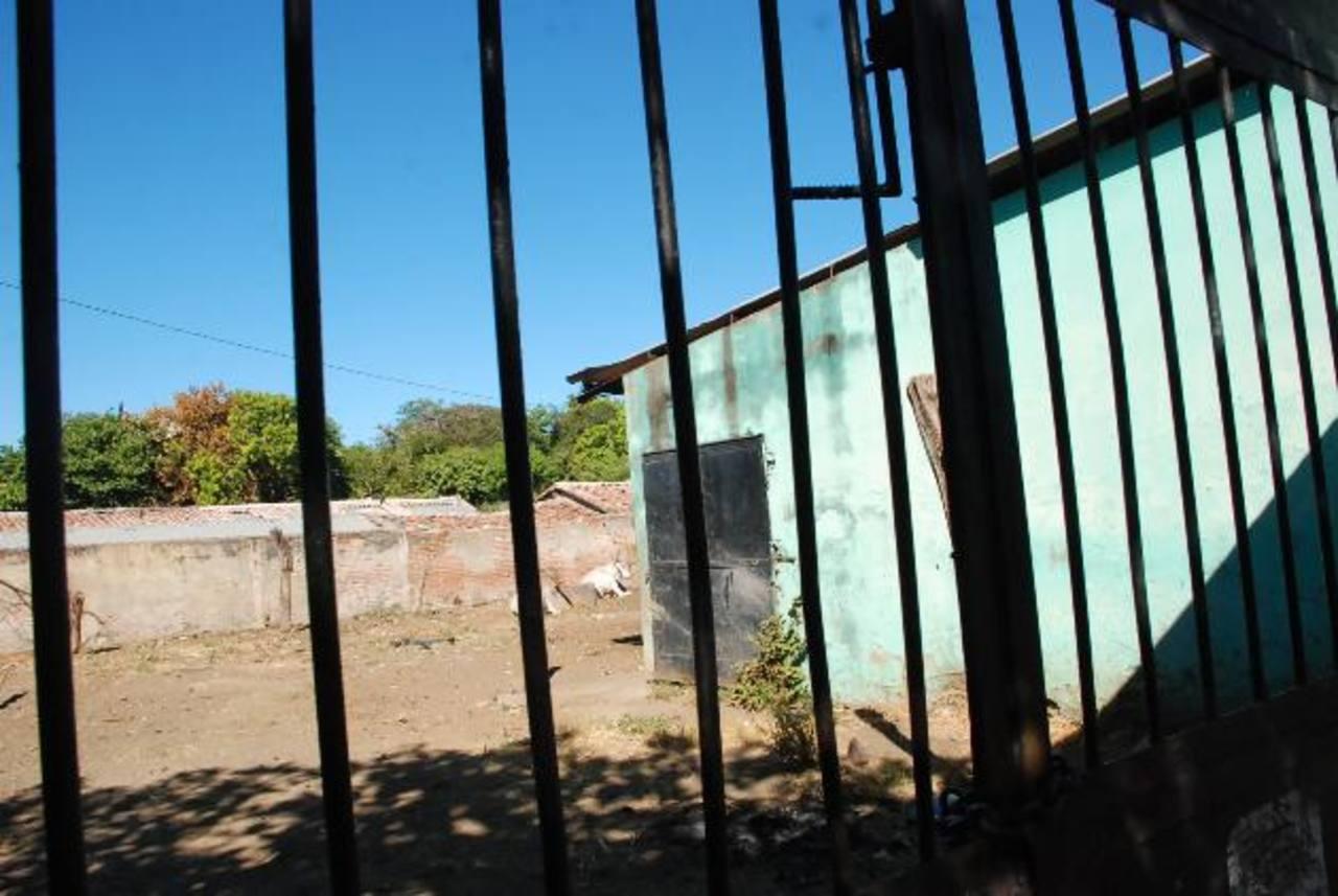 El cierre del rastro es definitivo. Los comerciantes se quejan de que no les dan otras alternativas. Foto EDH / INSY MENDOZA