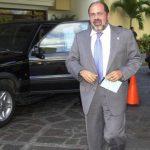Antonio Salaverría acudió hoy a la Fiscalía. FOTO EDH Archivo.