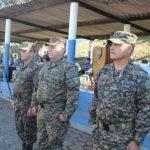 El coronel Pedro Portillo (Izq.) es el nuevo jefe militar del Destacamento Militar Número Siete. Foto EDH / Roberto Zambrano