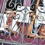Damas de Blanco sostienen fotos del fallecido disidente Orlando Zapata Tamayo. foto edh / efe