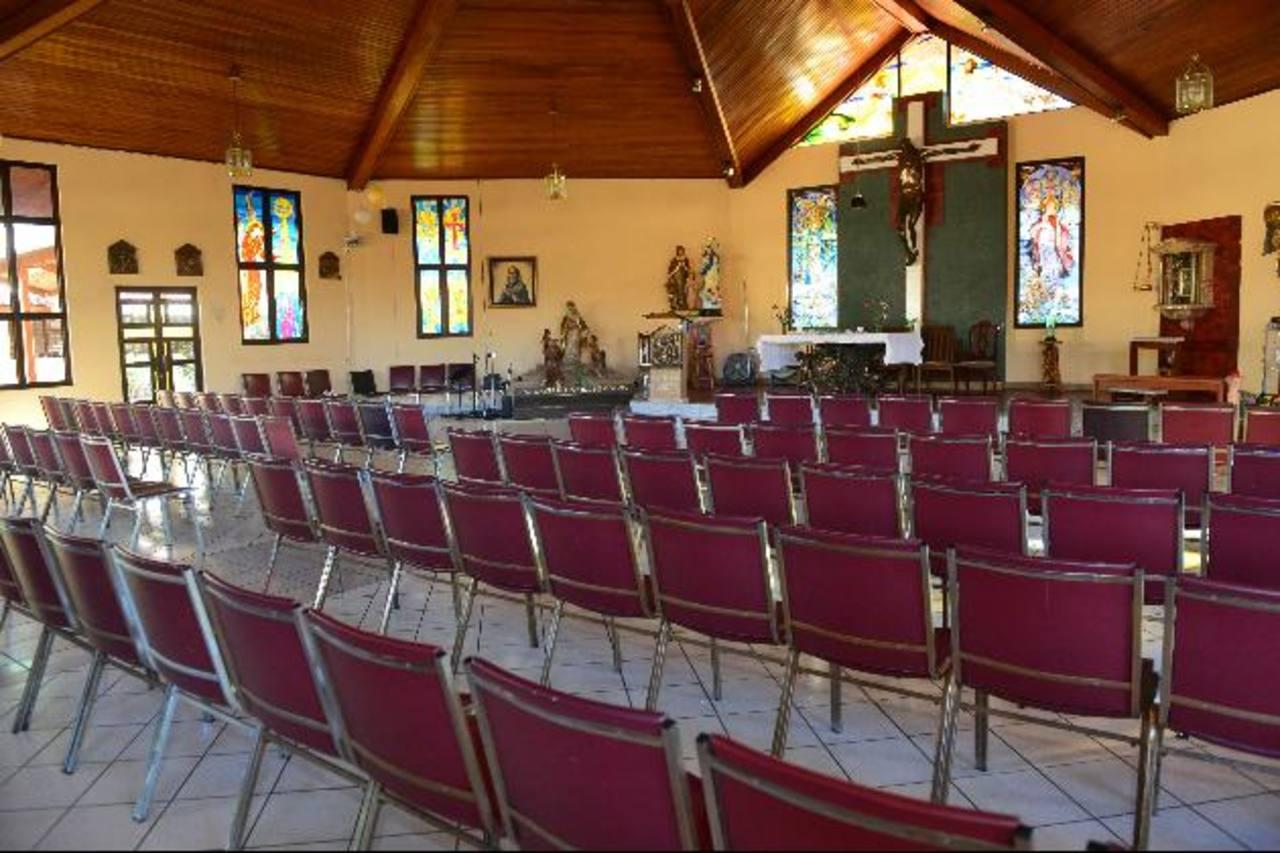 Las misas que se realizan en el Hogar han sido suspendidas hasta nuevo aviso. Dos religiosas aún permanecen en las instalaciones de la entidad. foto EDH