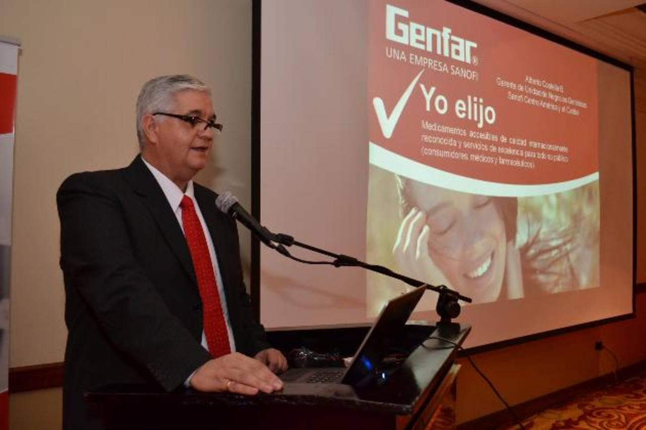Alberto Costella, gerente de Negocios Genéricos de Centroamérica y El Caribe de Sanofi, durante relanzamiento de Genfar, en El Salvador. foto EDH / mario díaz
