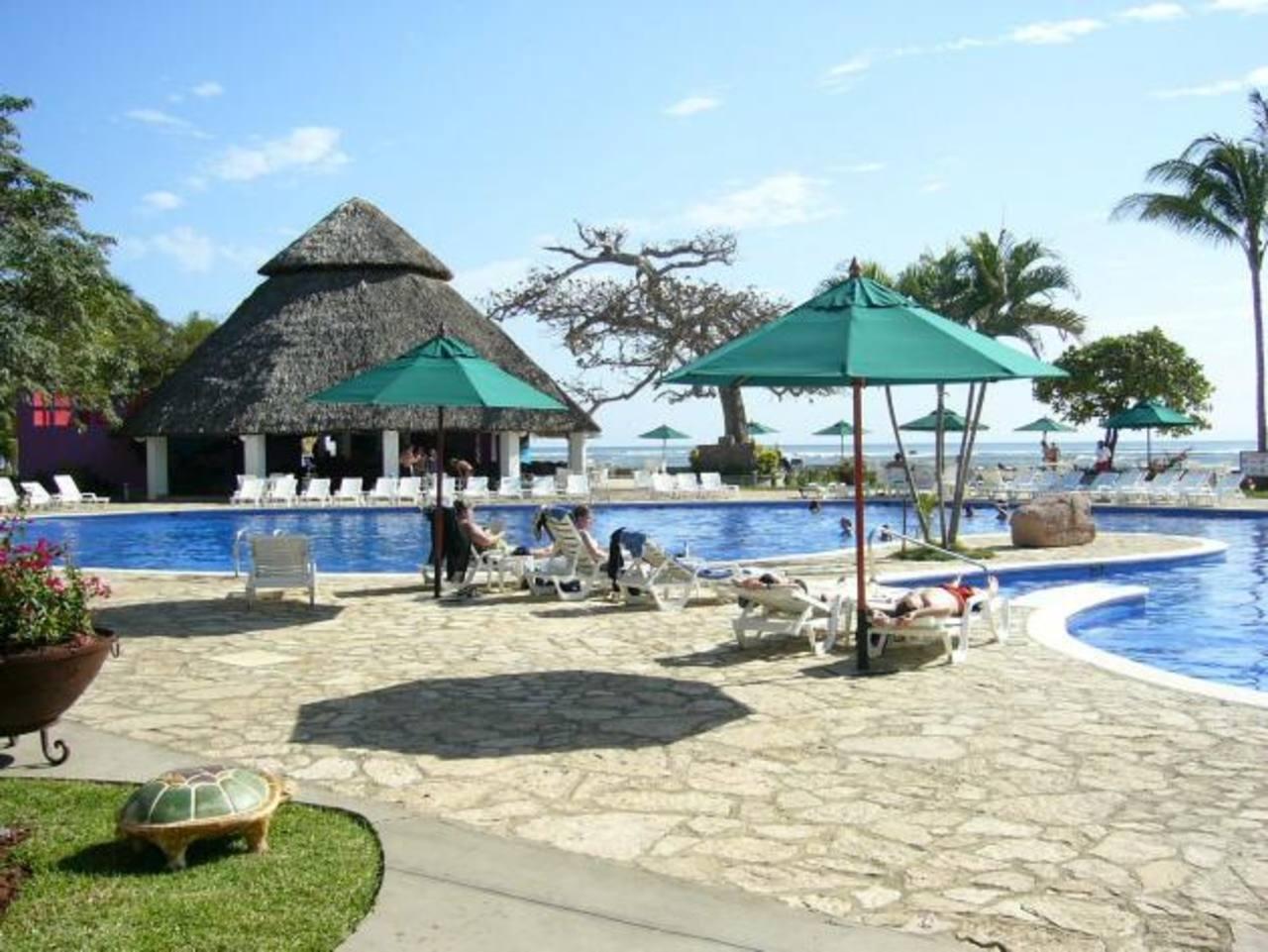 El Estado debería construir hoteles de playa para fomentar polos de desarrollo turístico.