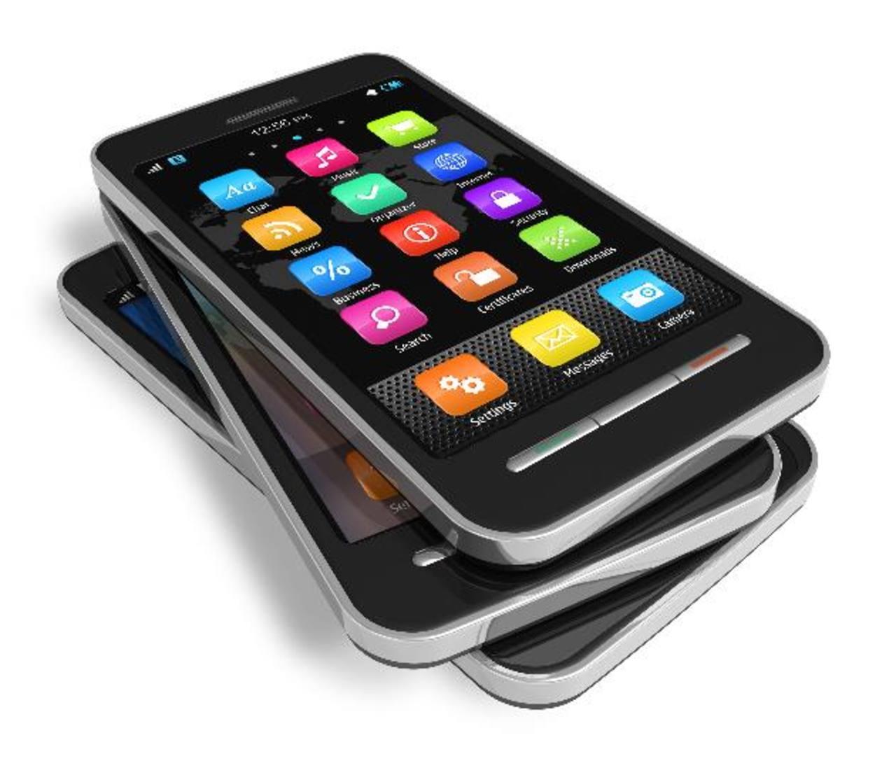 Las ventas de teléfonos avanzados adelantaron el año pasado por primera vez a las de los teléfonos básicos, que realizan funciones de llamadas, mensajes de texto y tienen un reducido acceso a internet.