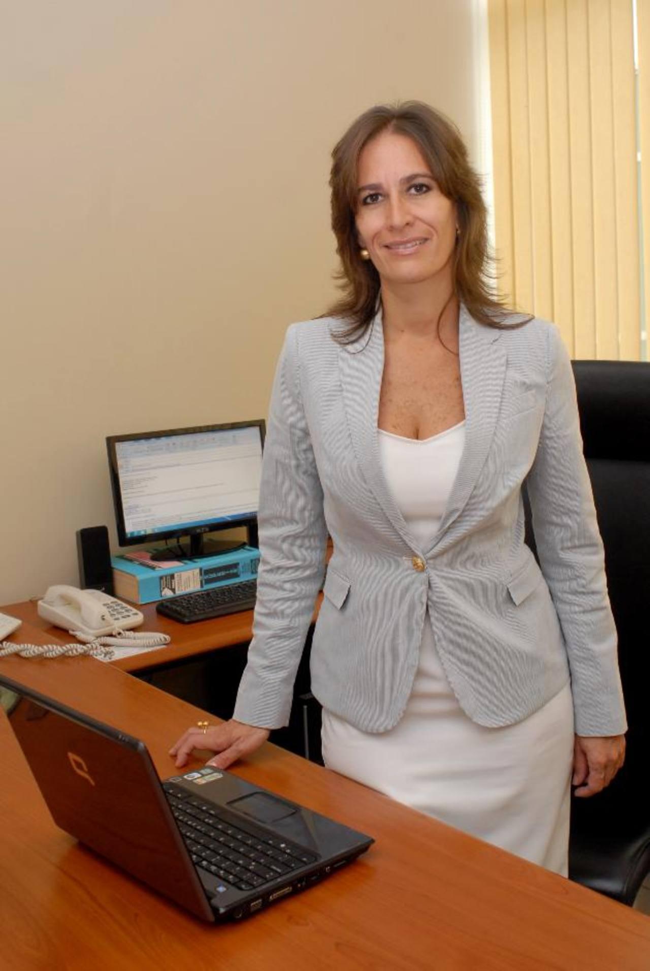 Claudia Ibáñez, gerente de Asuntos Corporativos de Walmart El Salvador.