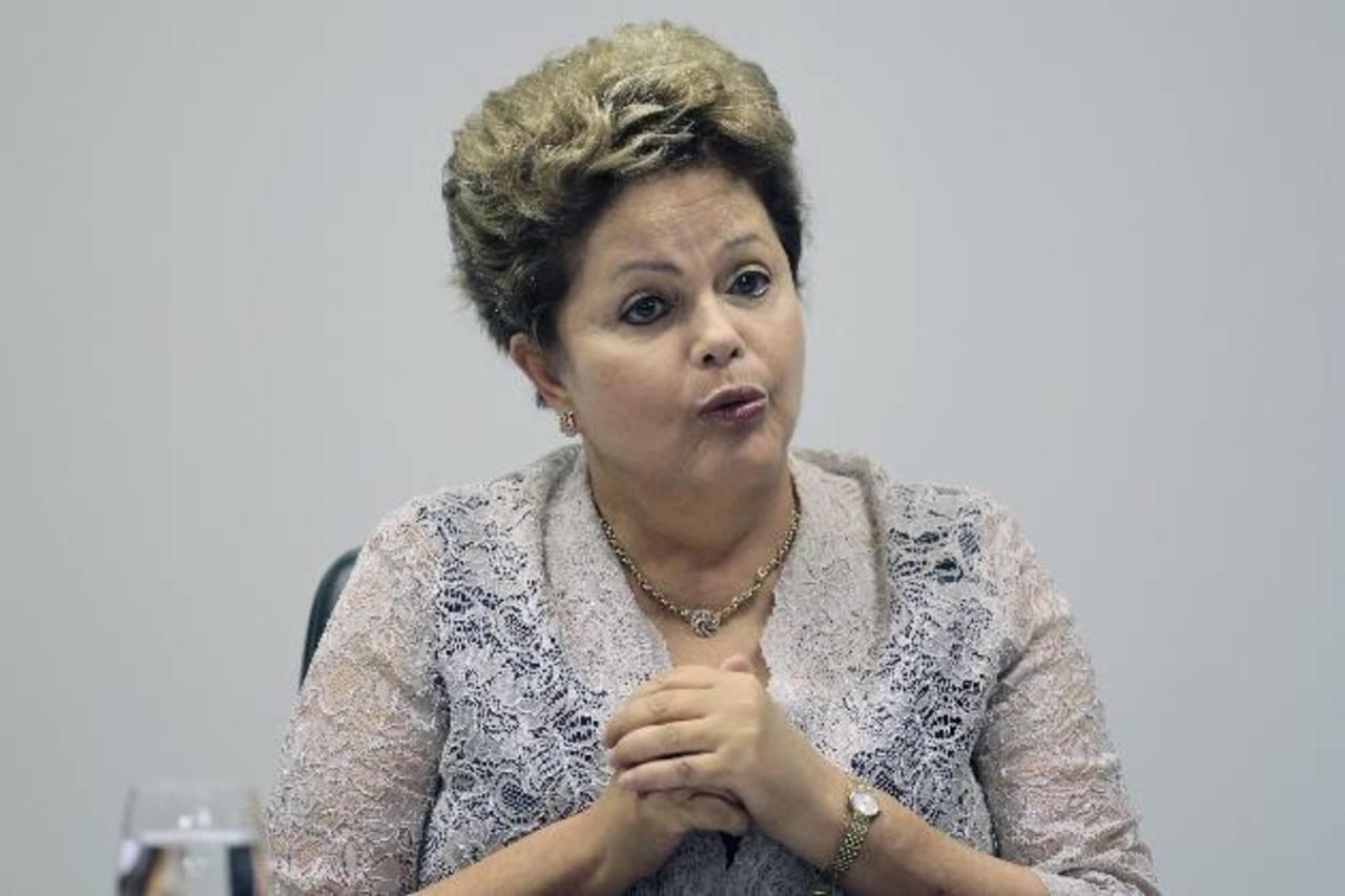 Una potencial recesión sería un golpe para la presidenta Dilma Rousseff, que se esfuerza para restaurar la confianza del mercado tras un rápido deterioro de las cuentas públicas de Brasil.