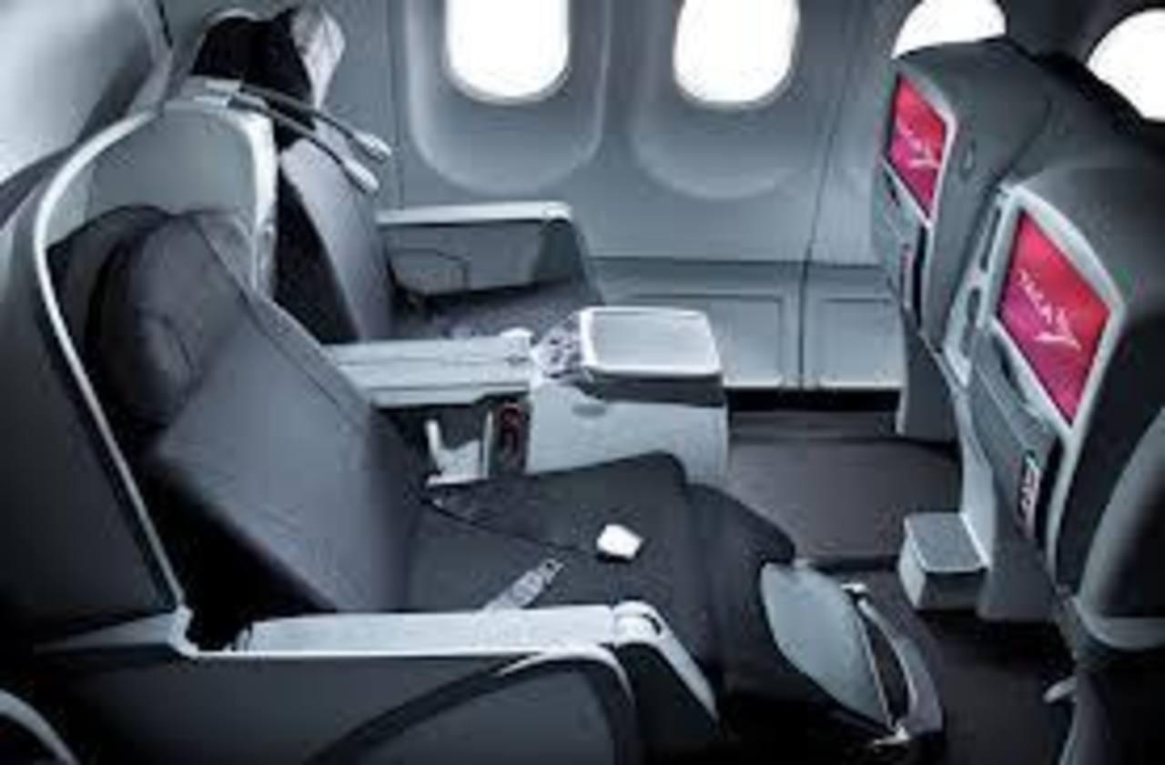 Los vuelos transatlánticos serán servidos en modernos aviones Airbus A-330 con capacidad para 252 viajeros.