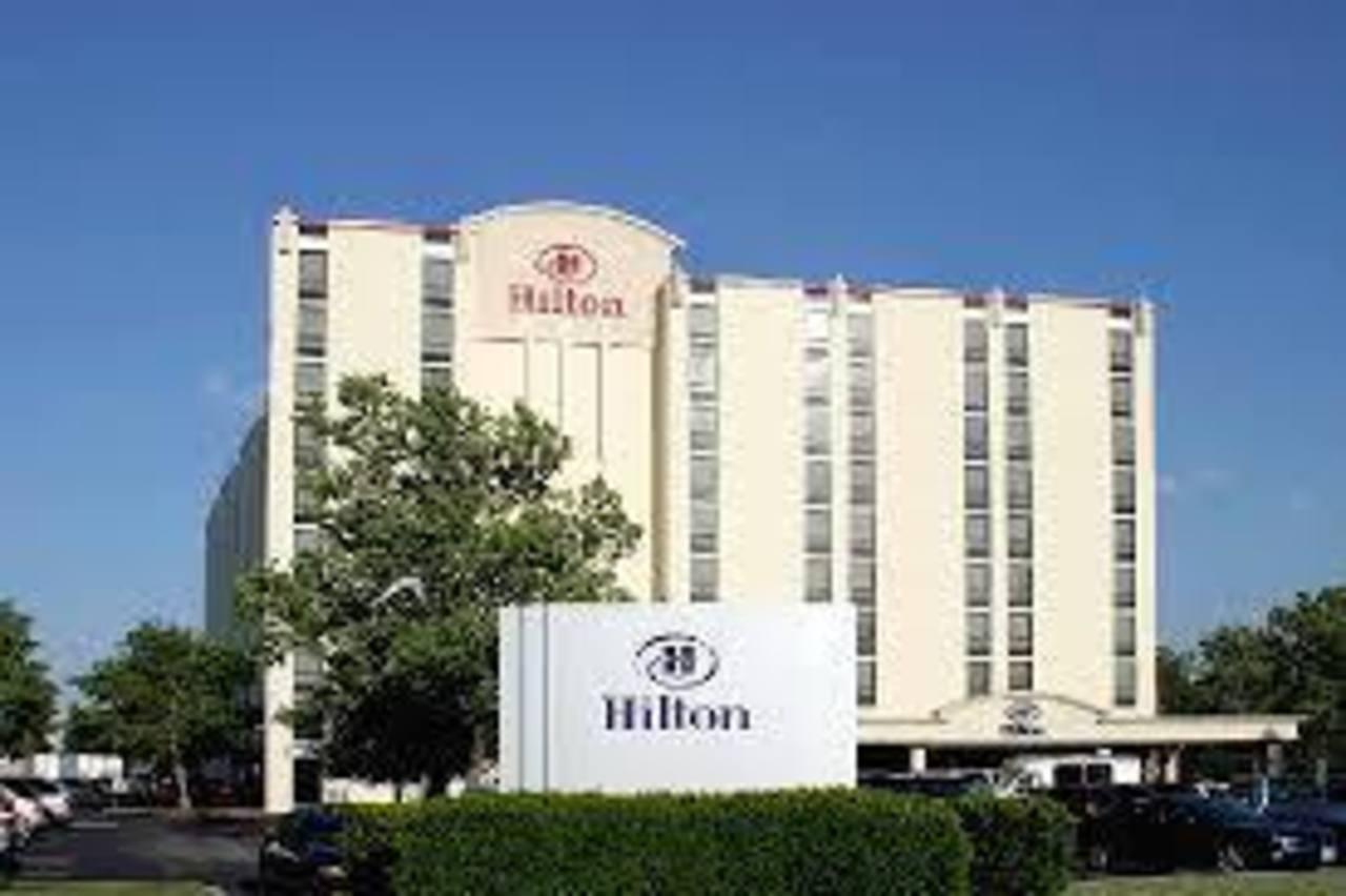 La cadena Hilton, fundada en 1919 por Conrad Hilton, salió a la bolsa en diciembre y recaudó más de 2.300 millones de dólares en su segunda mayor OPI en el 2013.