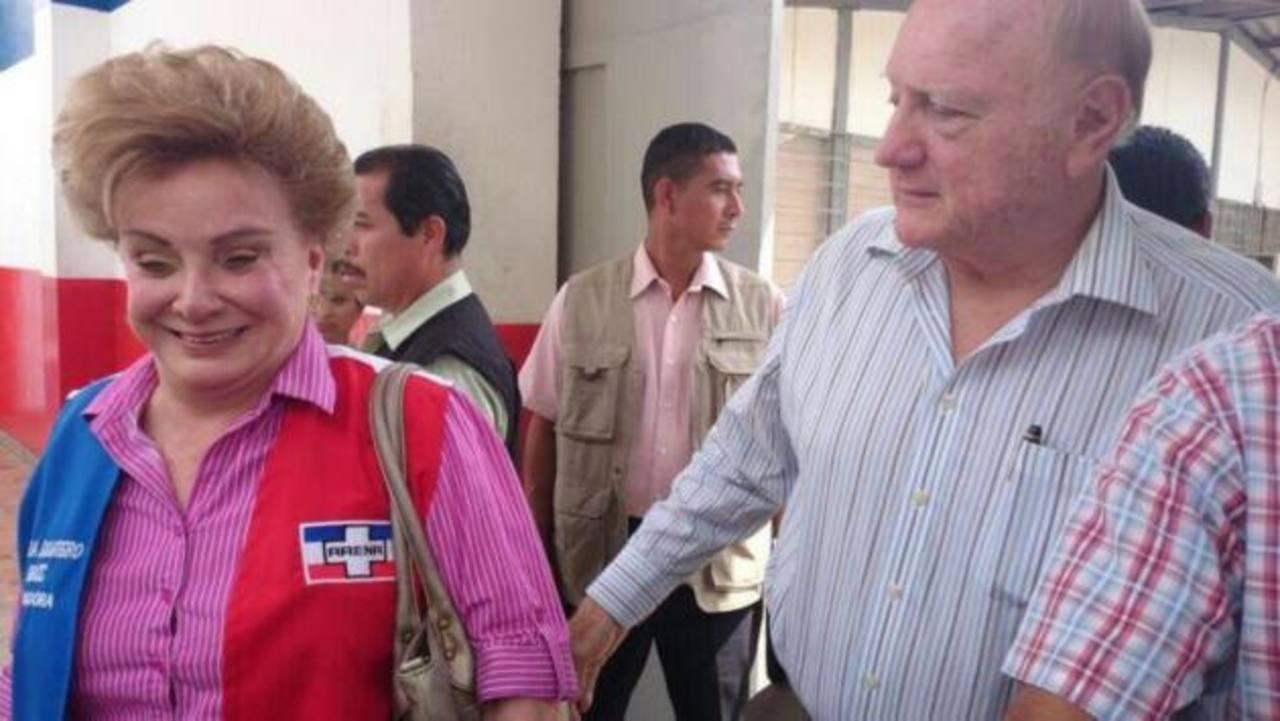Piden al COENA expulsar del partido a Francisco Flores