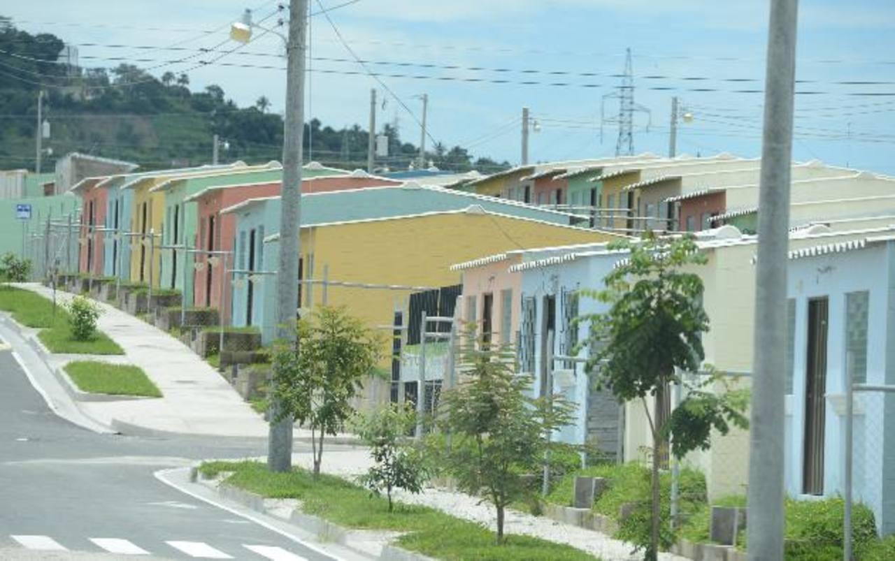 A pesar de que muchos tienen una vivienda, pocos las tienen de calidad. Foto EDH/archivo