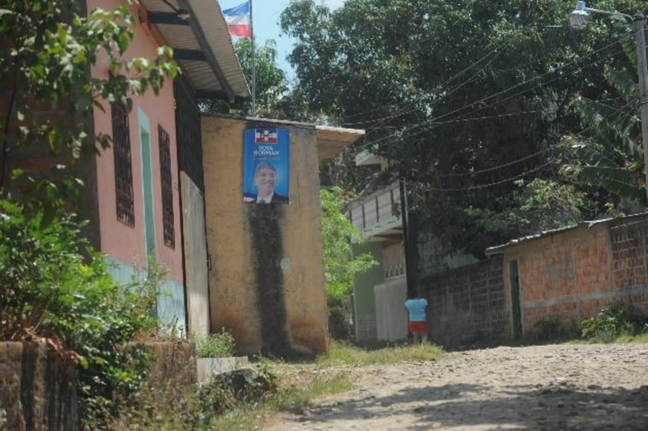La zona donde vive el concejal de la comuna de Ilobasco fue rodeada de pandilleros de la mara Salvatrucha el miércoles pasado. Hubo patrullaje policial. Foto EDH / Lissette Monterrosa